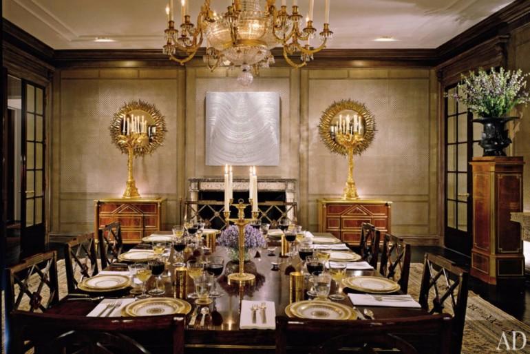 Stunning Dining Areas Designed By Peter Marino | www.bocadolobo.com #petermarino #topinteriordesigners #bestinteriordesigners #interiordesign #interiordesigners #moderndiningtables #diningroom #diningarea #thediningroom #exclusivedesign #luxurytables #usa #newyork @moderndiningtables