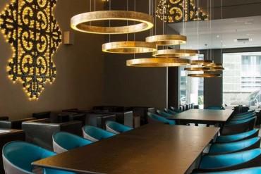 Amazing Dining Tables Choices By Top Interior Designers Worldwide   www.bocadolobo.com #moderndiningtables #diningroom #diningroomdesign #diningarea #thediningroom #luxurybrands #topinteriordesigners #famousinteriordesigners #bestinteriordesigners #luxurybrands #interiordesign #exclusivedesign @moderndiningtables
