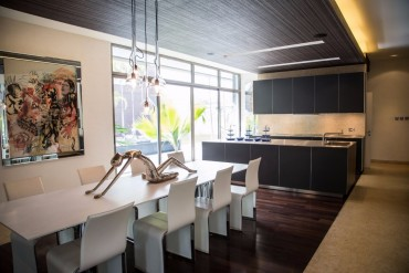 Top Interior Designers Get Inspired by NEAT's Dining Areas | www.bocadolobo.com #topinteriordesigners #moderndiningtables #diningroom #thediningroom #diningareas #interiordesign #exclusivedesign @moderndiningtables