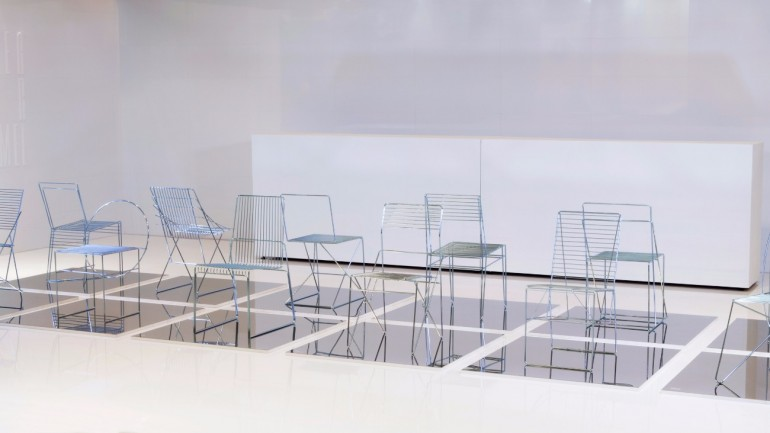 University Students Design Dining Chairs Using Only Steel Rods | www.bocadolobo.com #diningchairs #moderndiningtable #diningtables #diningroom #thediningroom #diningarea #exclusivedesign #productdesign @moderndiningtables