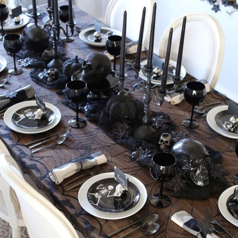 Spooky Dining Décor For A Fightening Haloween Meal