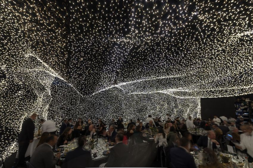 The Interstellar Restaurant - The Power Of Lighting Design