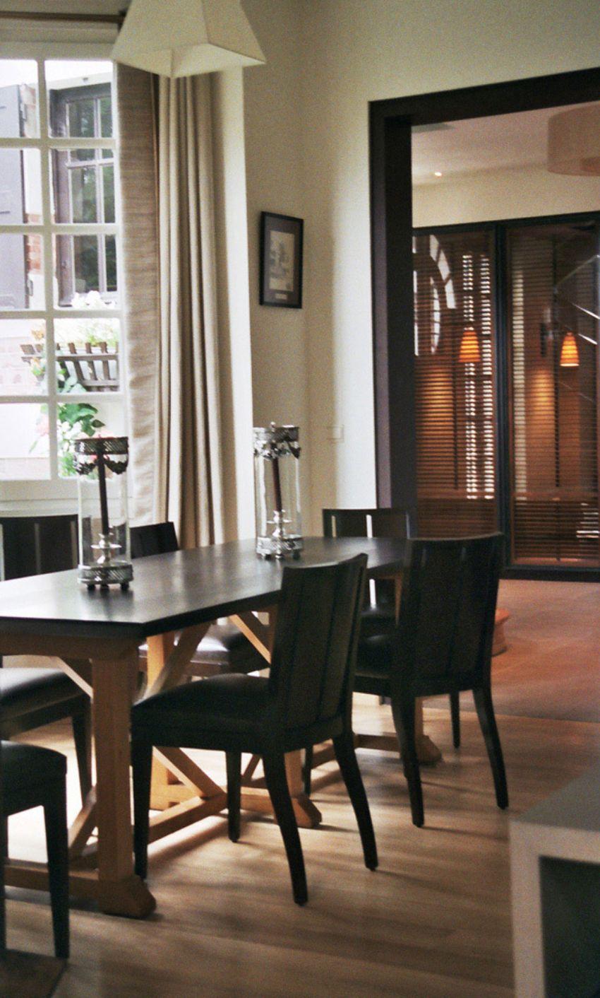 Striking Dining Rooms To Inspire You Designed by BISMUT & BISMUT