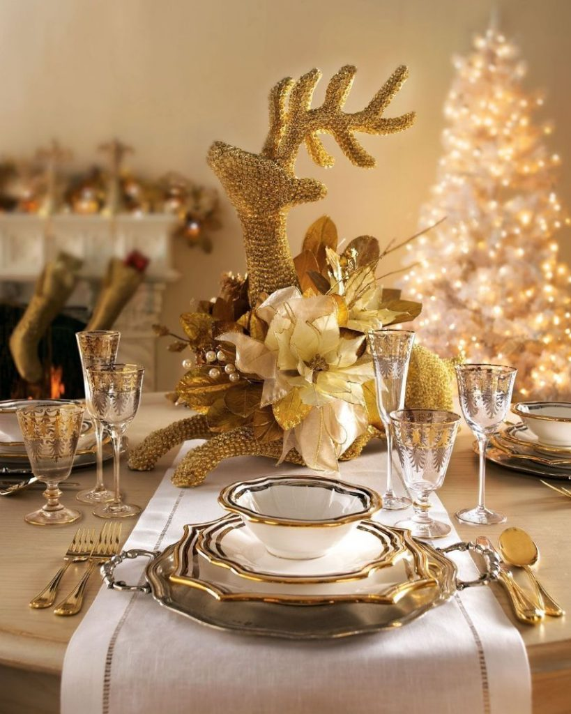 Stunning Christmas Table Setting Ideas For Your Modern Dining Table